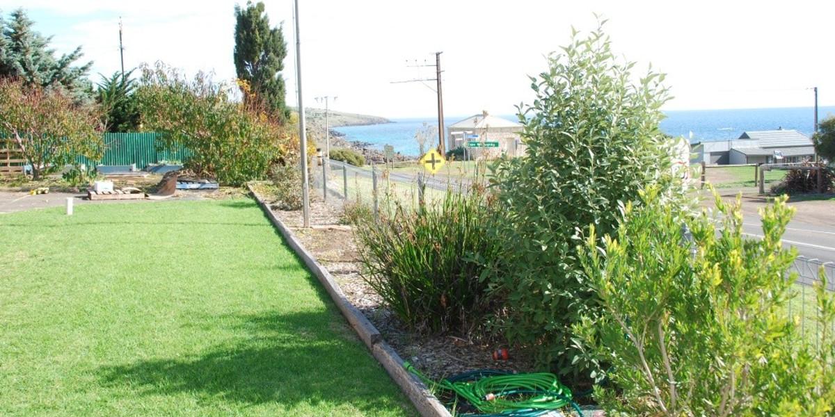 Penneshaw Lawn